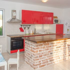 Comfortable apartment in Stobrec located 700m from the beach