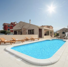 Luxury house with the private pool in Kastela is a perfect combination for all your needs for a great holidays in Dalmatia.